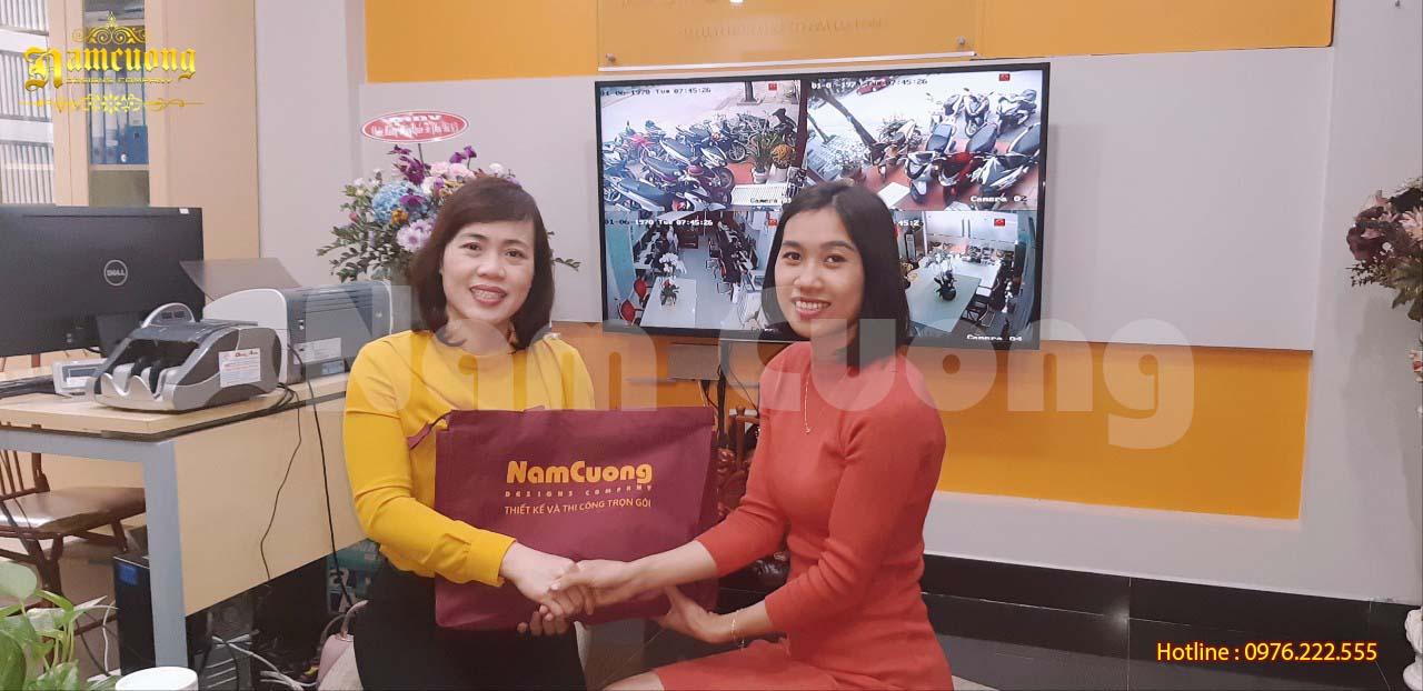 Bàn giao hồ sơ biệt thự tân cổ điển 3 tầng-CĐT Nguyễn Thị Thu Hồng
