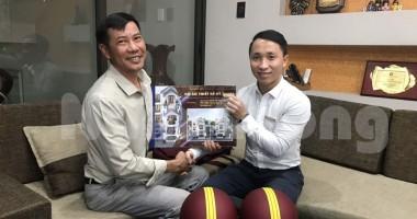 Bàn giao hồ sơ kỹ thuật nhà ống kiểu Pháp cho anh Nguyễn Văn Chương