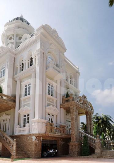 Kiến trúc cổ điển-Biệt thự lâu đài 4 tầng 2 mặt tiền tại Ninh Bình