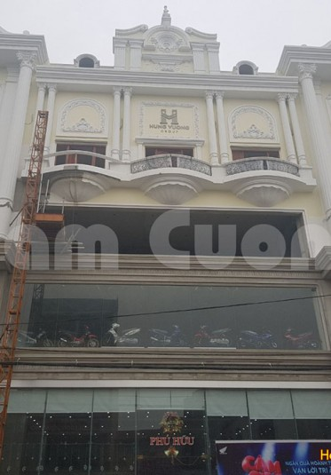 Thi công showroom tân cổ điển tại Nghệ An