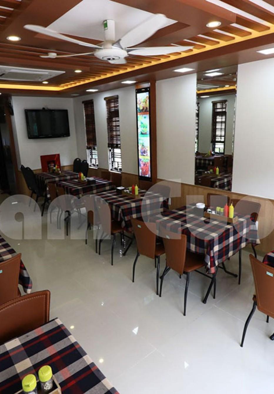 Thi công nội thất nhà hàng hiện đại cơm văn phòng