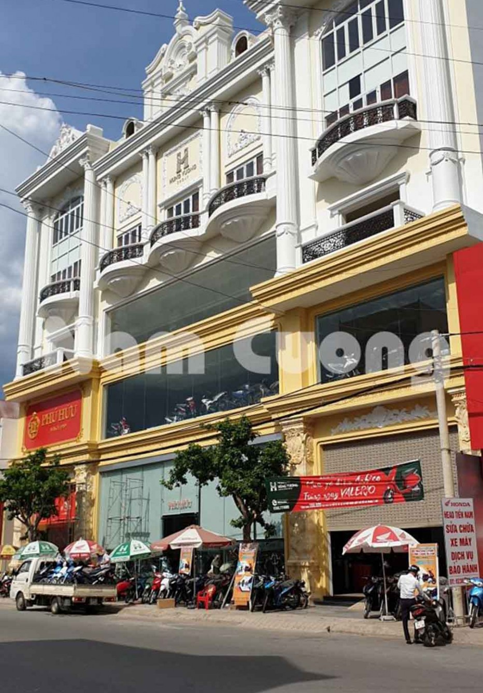 Thi công showroom xe máy kết hợp hiệu vàng tại Nghệ An